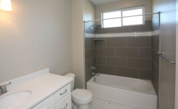 9586_n_6900_w_MLS_HID808845_ROOMbathroom